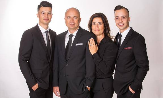 THE OLIVEIRA TEAM